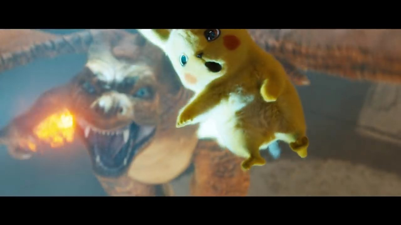 Pikachu narrowly dodges a Charizard attack in Pokemon Detective Pikachu