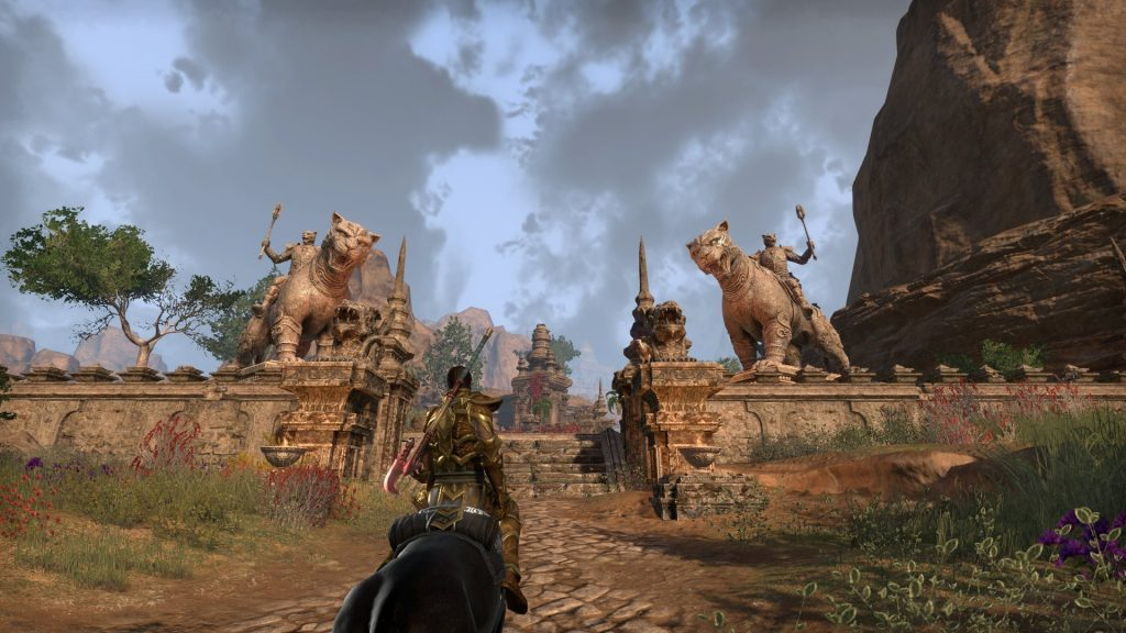 Elsweyr Twin Cat Statues